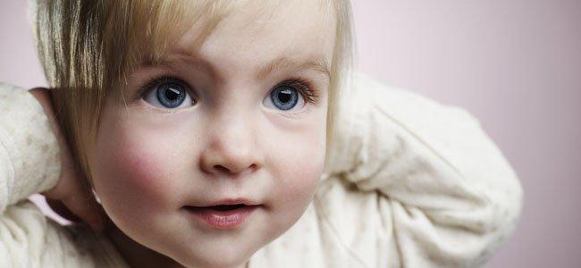 bebe-nina-rubia-ojos-azules-p
