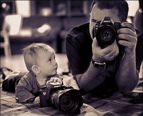 padre-e-hijo-con-camara