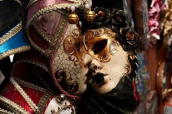 mascara veneciana arlequin beso