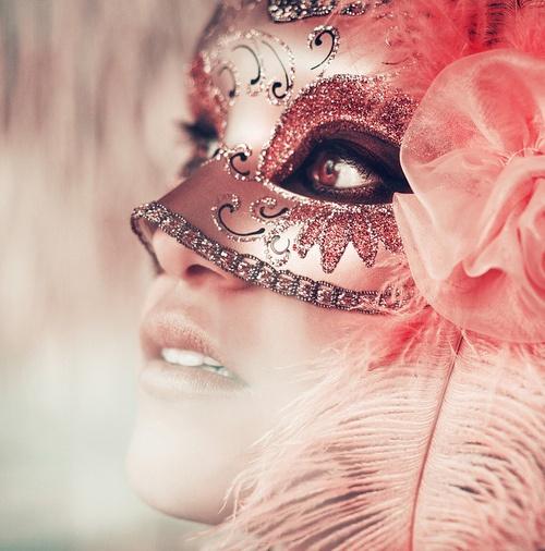 mujer-con-mascara