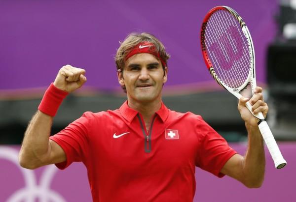 28/07/2012 Federer supera a Alejandro Falla y pasa a segunda ronda en Londres . El tenista suizo Roger Federer se ha clasificado para la segunda ronda de los Juegos Olímpicos de Londres después de imponerse en la primera al colombiano Alejandro Falla (6-3, 5-7 y 6-3) y en su próximo encuentro se enfrentará al francés Julien Benneteau. DEPORTES REUTERS